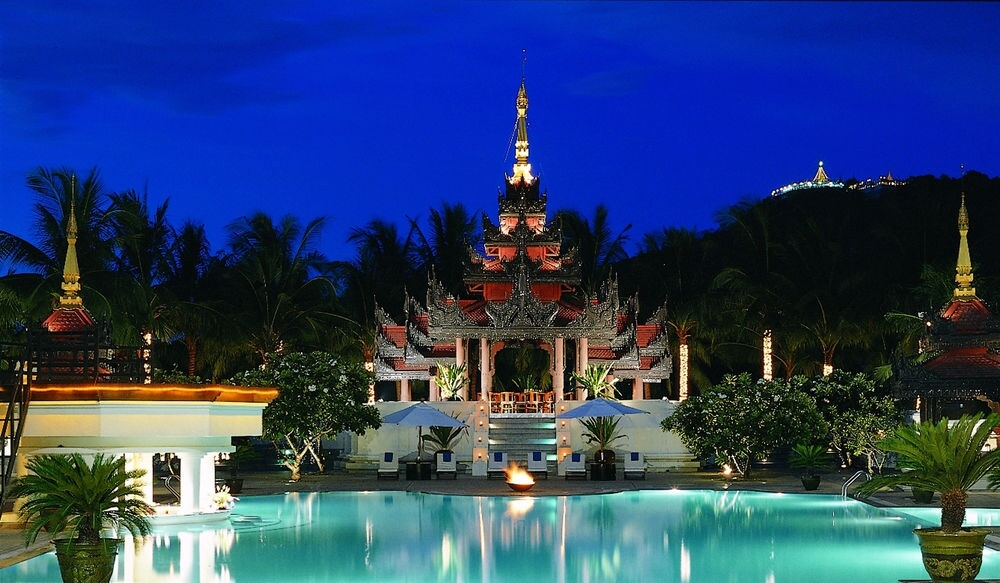 Hotel Mandalay Hill Resort
