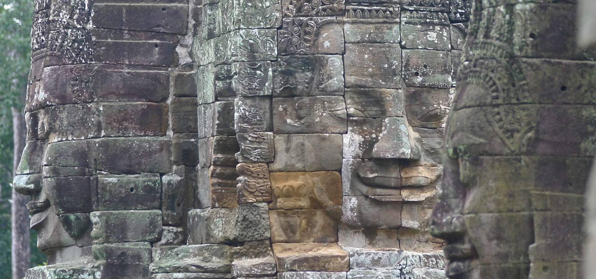 Vietnam + Camboya - Templos y Elefantes