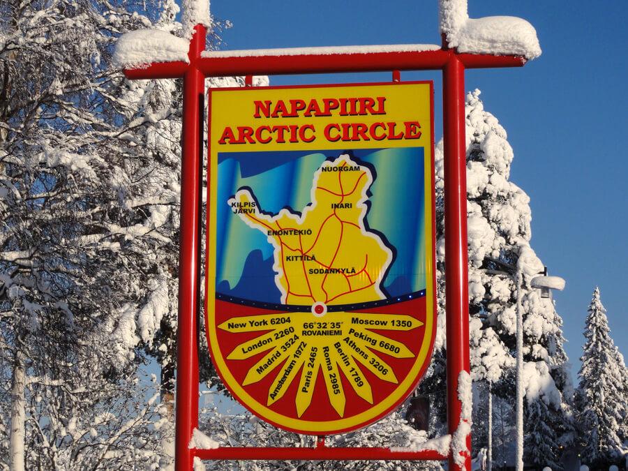 Cruzar el Círculo Polar Ártico en Rovaniemi