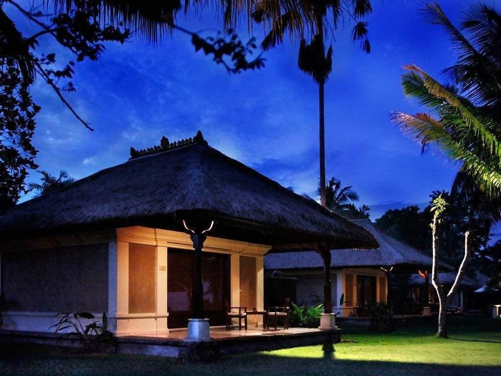 Hotel Puri Bagus Lovina Villa Resort & Spa