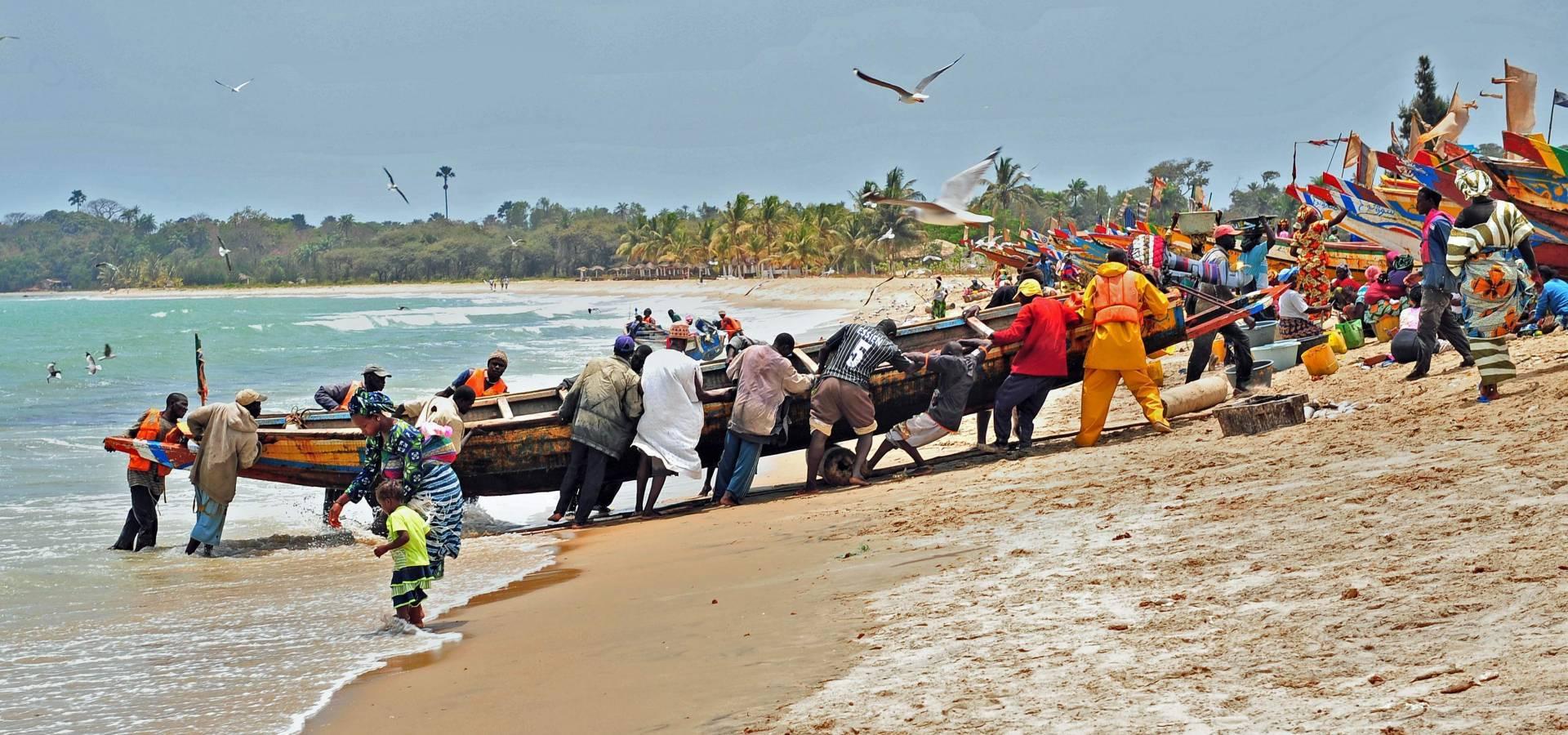 Pescadoreas en la playa