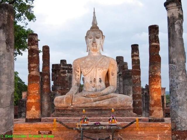 Estatua de Buda Blanca