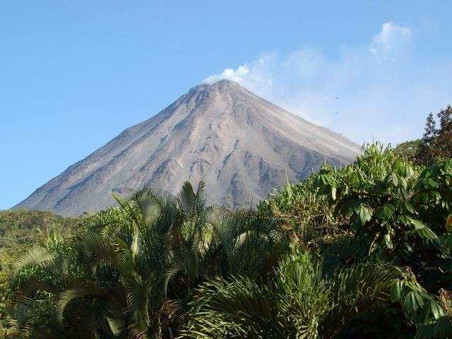 volcan y paisaje
