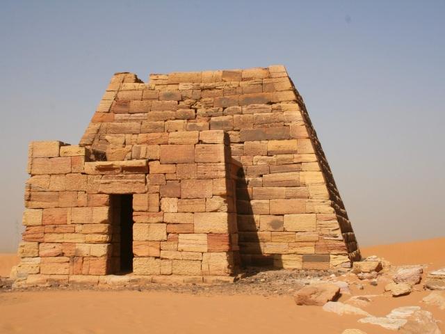 piramide desierto