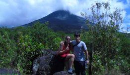 Caminata vista al volcan Arenal - Costa Rica