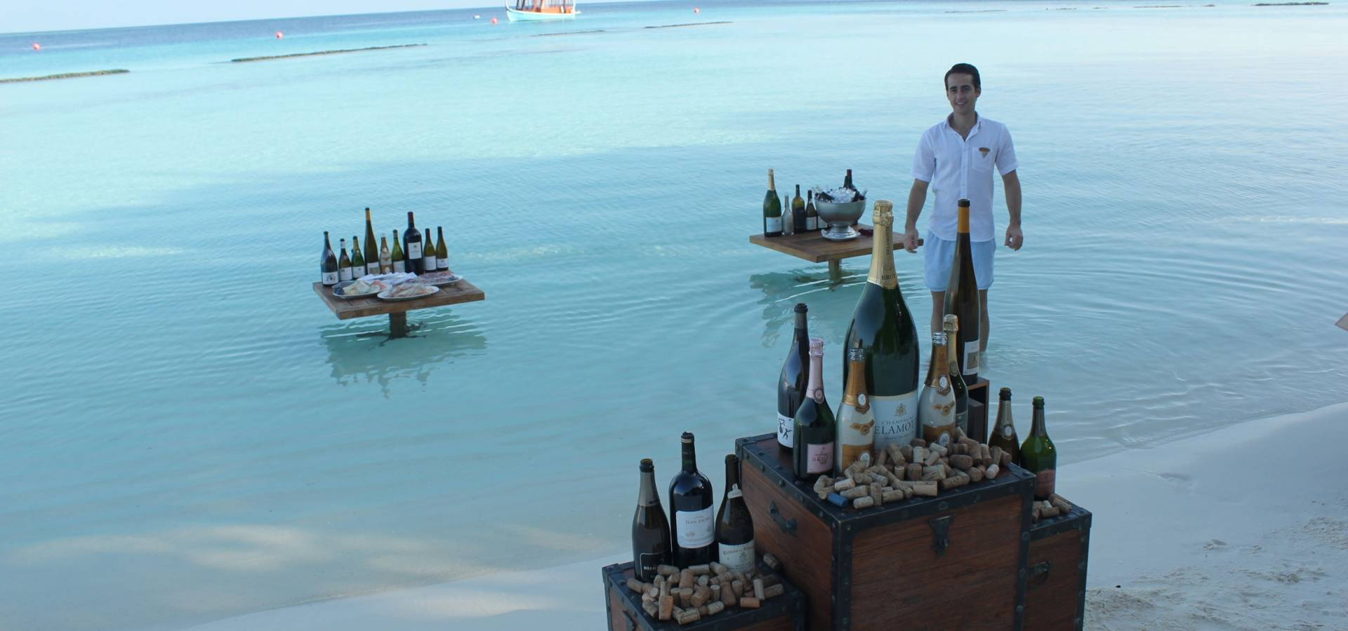 Cata de Vinos en la Playa - Maldivas