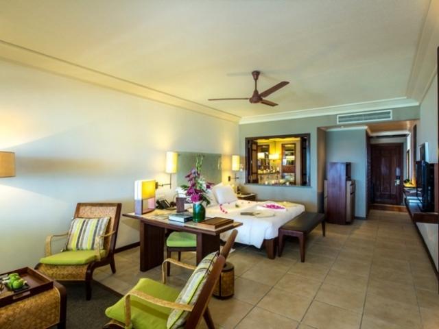 Junior Suite Beachfront Room
